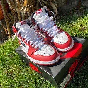 Jordan 1 2015 Chicago's size 10.5